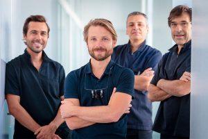 equipe-chirurgiens-odontia